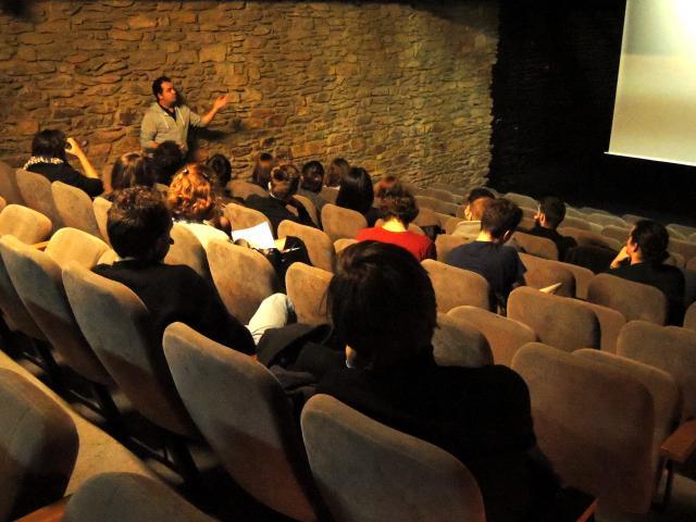 """Rencontre avec les étudiants de Rennes 2 et Samuel Moutel, producteur du film """"Quand j'avais 6 ans, j'ai tué un dragon"""" de Bruno Romy"""